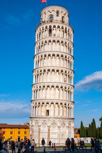 Leaning tower of Pisa in Piazza dei Miracoli. UNESCO World famous site, located in beautiful Tuscany Architecture Large Group Of People Built Structure Crowd Sky Real People Building Exterior Women Travel Tourism Group Of People The Past History Travel Destinations Lifestyles Tower Day Adult Tourist Tall - High Outdoors Ancient Civilization Pistil Piazza Dei Miracoli Learning Pisa Pisa Tower Pisa Cathedral