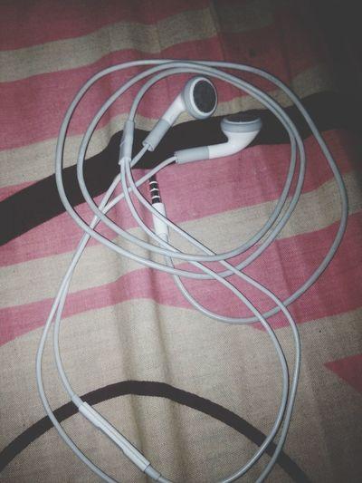 Sepertinya headset ini emang di setting untuk harus rusak sebelah ya?? Balada Headset Rusak