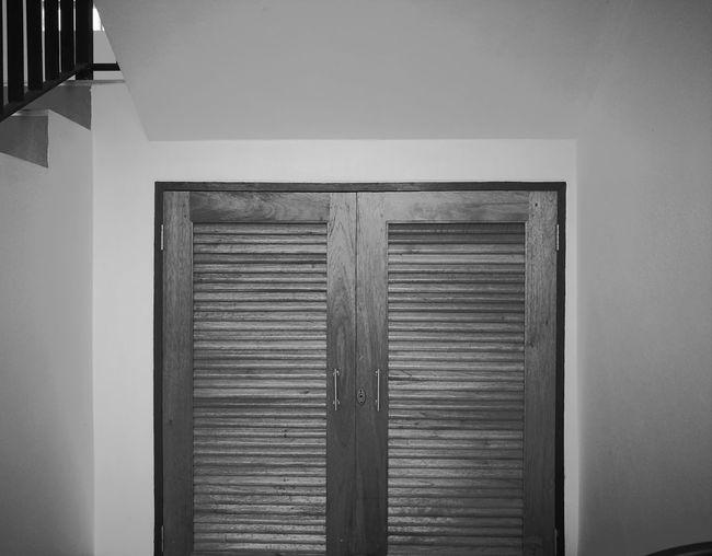 close up door