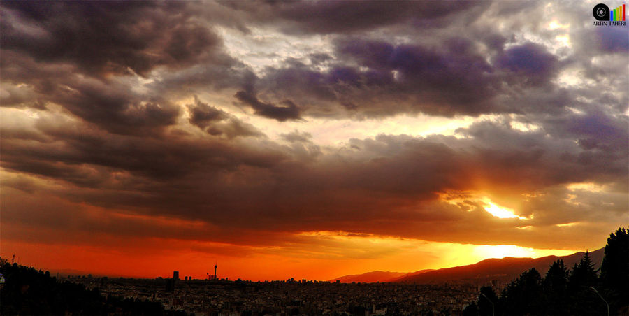 Sunset Dramatic Sky Cloud - Sky Cloudscape Sky Sunset_collection Sunset Silhouettes Sunsetphotographs Sunset Lovers Sunsetlovers Sunset View. City Sunset City Sunset Cityscape Silhouette Storm Cloud Nature Thunderstorm Awe Scenics Silhouette Landscape No People غروب خورشید غروب_آفتاب غروب تهرون