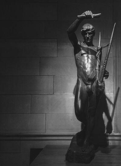 KelvingroveArtGalleries Kelvingrove Kelvingrove Museum Glasgow  Scotland Museum Gallery ArtWork Sculpture Male Body Bronze Bronze Statue Classical Monochrome Mono Black & White Black And White Blackandwhite