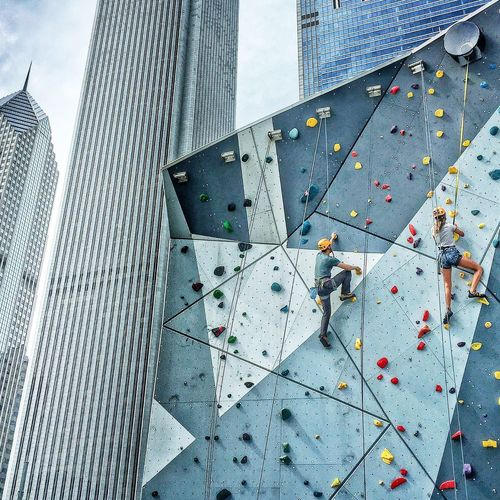 Skyline Climb🆙🆙🆙 Climb Rock Climbing Rock Climbing Wall Rock Climbing Area High In The Sky Up There Look Up Challenge Chicago Chicagoloop Maggie Daly Park Millenium Park Skyscrapers Skyline Chicago Chicago Skyline Discover Your City Pictureoftheday EyeEm EyeEm Best Shots EyeEmBestPics Eyeemgetty EyeEm Team Eyeem Market Eyeem Photography The City Light The City Light