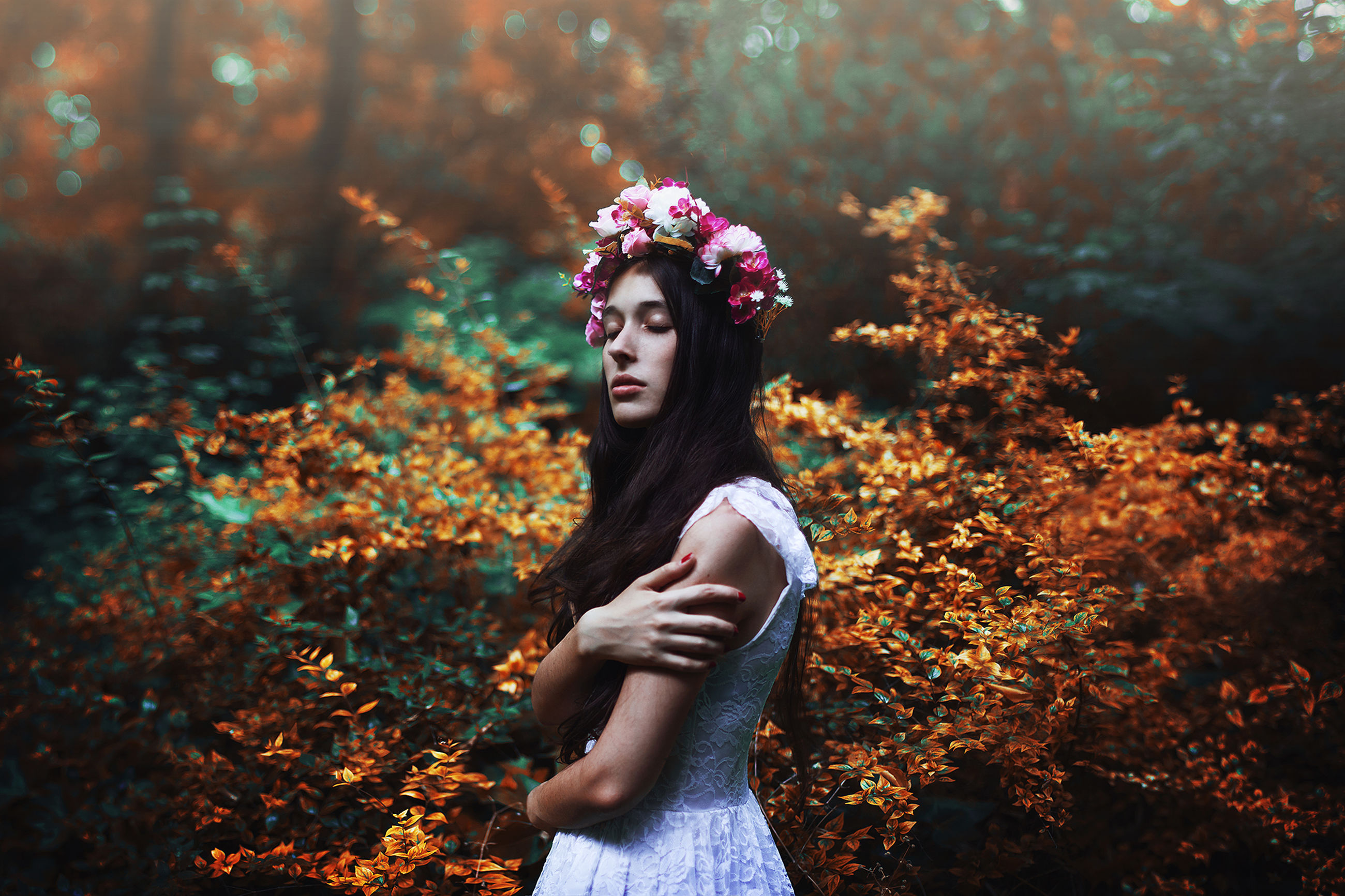 young adult, lifestyles, person, young women, leisure activity, tree, casual clothing, standing, looking at camera, front view, portrait, long hair, autumn, smiling, flower, three quarter length, dress