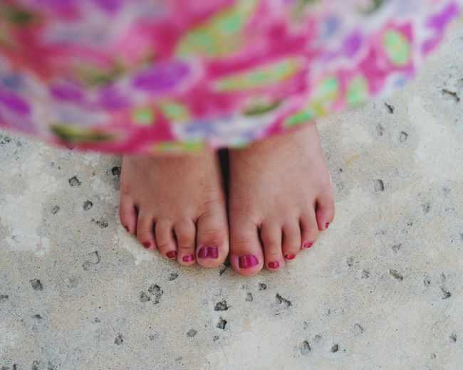 Low Section Nail Polish Multi Colored Beach Sand Dune Child Women Sand Summer Reunion - Social Gathering Toenail Pink Nail Polish