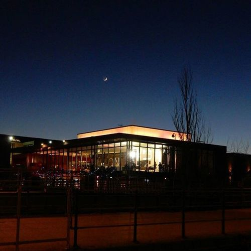 Lincoln Engineshed with its Brightlights under a Waxingcrescent Moon www.facebook.com/melaniecycles Urbanphotography Photography Photos Lifethroughalens Cyclephotography Cityscape Buildings Nikon_photography Nikons9900 Starphotography Nightsky Nightimages Tree Moonphotography Neonlights Nikon