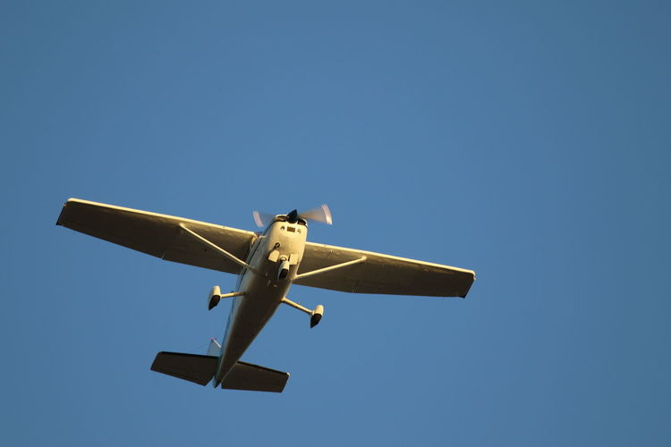 Air Vehicle Airplane Clear Sky Day Flying Mid Air Mode Of Transport No People Outdoors Sky