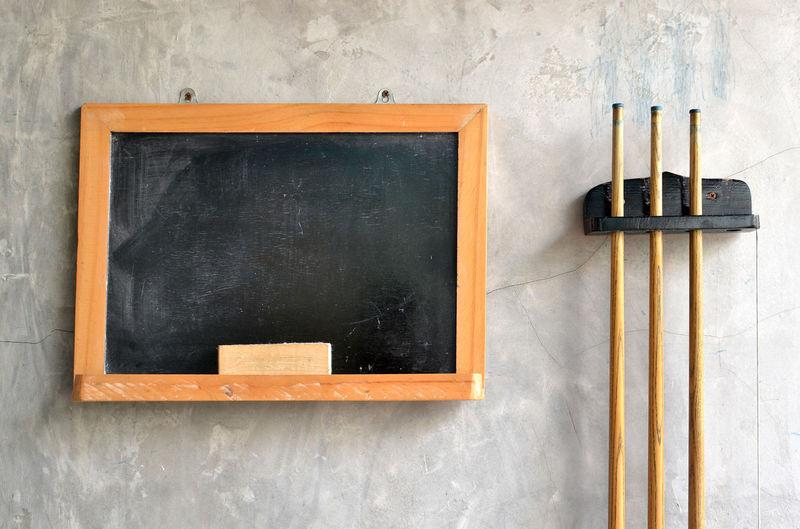 Black Board Blank Board Brush Cue Stick Frame Loft Snooker Sport Style Wall Wall - Building Feature
