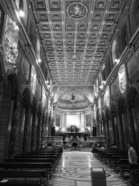Indoors  Ceiling Architecture Illuminated Church Architecture Church Leica Huawei P9 Huawei P9. Blackandwhitephotography Blanco Y Negro. Leicap9 HuaweiP9 HuaweiP9Photography