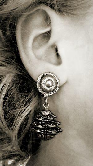 Vintage Ohrclip Ohr Ohrclip Vintage Schmuck Clip Locken Haare Hair Hübsch Alt Vintage Ear Earring  Earclip Old Ohrclip Ohrring Human Ear Locket Earring  Jewellery