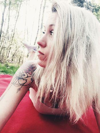 Blondhair Tatoo Young Women Portrait Human Lips Human Face Beautiful Woman Red Women Females Fashion Depression - Sadness Mascara