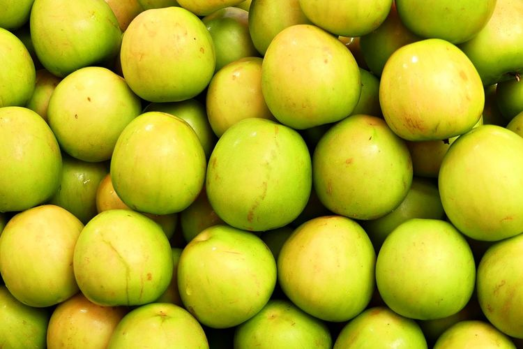 Close Up of Sweet Monkey Apple Monkey Apple Backgrounds Close-up Food Photography Freshness Fruit Full Frame Green Color Healthy Eating Large Group Of Objects Market Stall Sweet Wellbeing