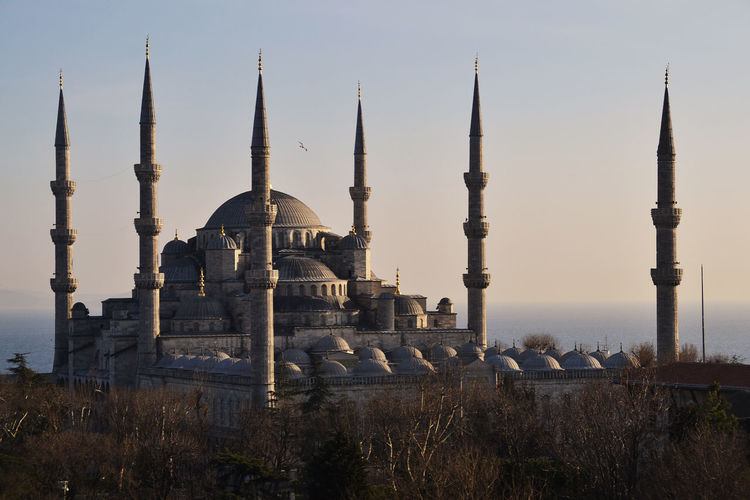 6 Minarette Architecture Blaue Moschee Blue Mosque Built Structure Clear Sky Culture Cultures Famous Place Grand Mosque History International Landmark Istanbul Mosque No People Place Of Worship Religion Spirituality Tourism Travel Destinations Turkish Culture