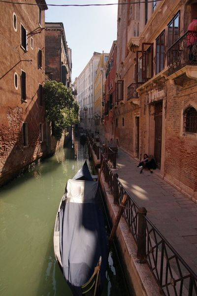 Venedig Venedig Gondeln Gondola - Traditional Boat Canal Canale  Italy Water Architecture Outdoors Day Building Exterior Sky People Venice, Italy Venice Gasse Bridge Brücke Vacation Holiday Tourism Tourist Attraction  Italianeography