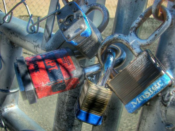 EyeEm Nature Lover Taking Pictures EyeEm Macro Hanging Out MyLocksObsession RustCreators Macrocreators Lovepadlocks EyEm Rust Padlocks