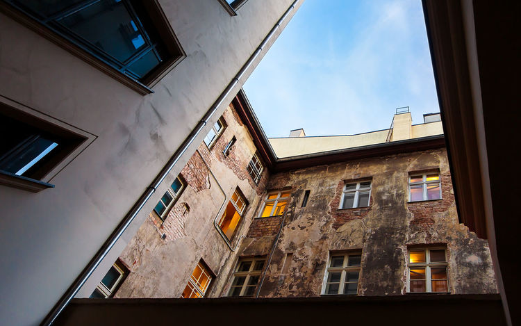 Backyard Opposites II Apartment House Old And New Architecture City Modern Sky Backyard Building Window Day Outdoors Opposites Lookingup Urban Skyline Facades No People Lifestyles Low Angle View Building Exterior Residential District Built Structure EyeEmNewHere From Below