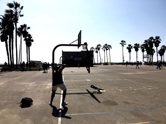 Photo of a photographer, photographing a slamdunk @ venicebeach First Eyeem Photo