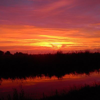 Hele mooie zonsondergang Beautiful Sky Clouds Sundown Sunset Nature Water Heerenveen Nederland Fryslan Netherlands