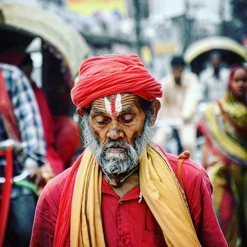 This sadhu was walking on the street of Darbhanga Bihar India i was excited to take a selfie with him but he was not interested. Photography Indiaphotography India Nikonphotography Nikon D7200 Momentsoflife Iamexclusive Iamnikon Iamshutterbug Desi Streetphotography _soi