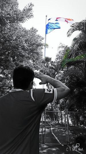 Saludando a mi Bandera, en la cima del Cerro Ancón. Panamá Panamaoutdoors Cerro Ancón Flag Hail  Bandera Panameña Cymera Cymeraedit