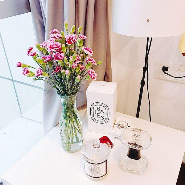 Table Corner Carnation Diptyque