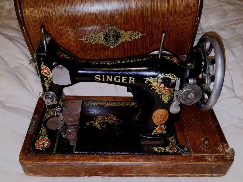Antique Singer Singer Sewing Machine Singer  Close-up Vintage