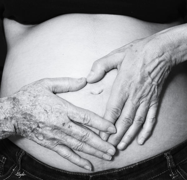 4 Generations  Pregnant Pregnant Beauty Pregnant Woman Pregnant Phtography Family Human Body Part Human Hand Two People Togetherness Human Finger Love Adult Bonding People Women Adults Only Affectionate Men Close-up Indoors  Only Women Day Enceinte Happiness