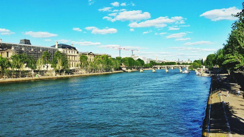 River Seine Paris Paris, France  Parisjetaime Cityscape Architecture Vacations Outdoors EyeEm Best Shots EyeEm Gallery Louvre Louvre Museum Travel Destinations Landscape_photography Water