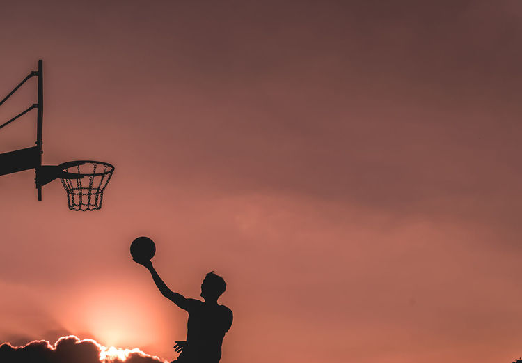 Basketball player one on one