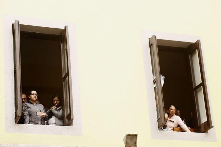 Mexico City City Urban Exploration People Of EyeEm EyeEmNewHere EyeEm EyeEm Best Shots EyeEm Best Shots - The Streets EyeEm Gallery Composition Mexico Folk Popular Photos Film Men Women Photograph Friendship Females Closed Door