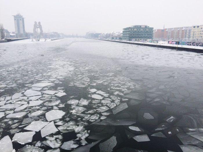 Its Cold Outside Frozen Berlin Molecule Man