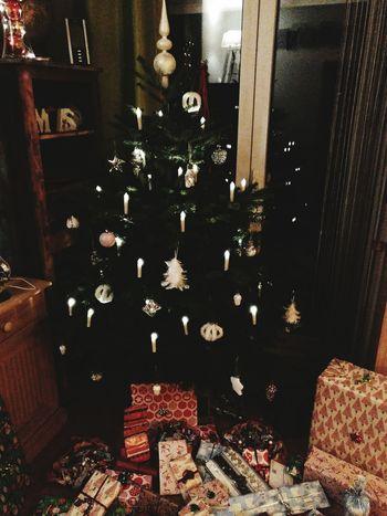 Christmas Celebration No People Christmas Decoration Christmas Tree Presents Family Time Indoors