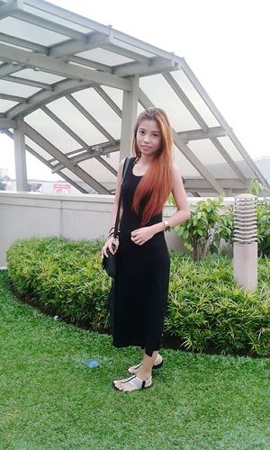 Hi! Ootd Ootd ✌ Outfit #OOTD Black Dress Midi Dress Casual Clothing Casual Look Casualstyle Keeping It Simple Fashion&love&beauty Simply Beautiful Simplicity Fashionable Asian Girl Filipina Fashionblogger my blog http://jennyfashionillustration.jimdo.com