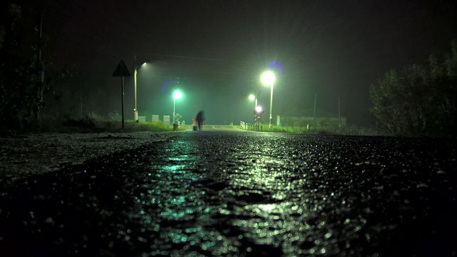 The first snow at a railway crossing 7.10.MMXV Darkness And Light Lanterns Night Railway Road Shadow Snow первый снег РЖД