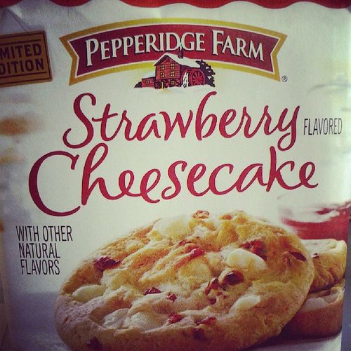 For someone who cannot eat cheesecake that much (and not at all in most cases) these cookies are a dream come true! Strawberrycheesecake Cookies Highsodiumthough Onewontkillme instacookies