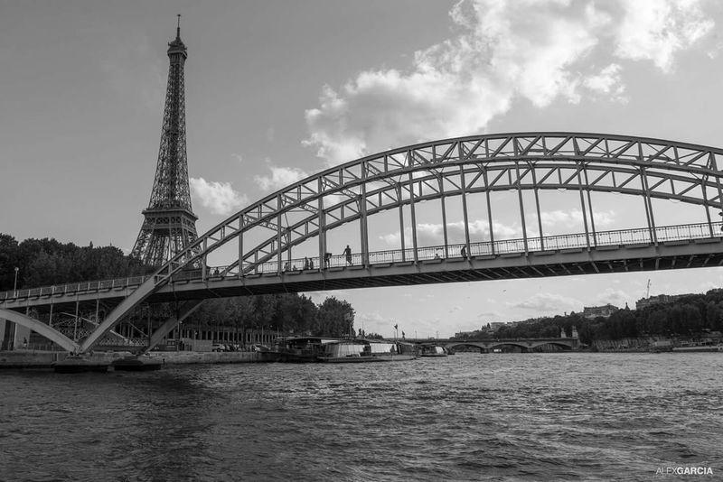 Paris The Moment - 2015 EyeEm Awards River Seine EyeEm 2015 Paris, France  Eyeemfrance Blackandwhite Photography Eyeemphotography Tour Eiffel The Street Photographer - 2015 EyeEm Awards