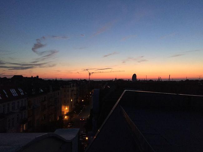 Berlin Berlinsunset Sunset Berlintagundnacht Rooftop SummerNights Summernight Derhimmelüberberlin Skyporn Skyoverberlin