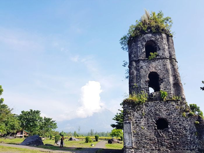 Cagsawa Ruins Cloud - Sky Day Tree Outdoors Sky Historical Place Historic Church Travel Destinations Travelph TravelPhilippines Eyeem Philippines Eyeemphotography Justphotography Art Is Everywhere Architecture Beauty In Nature Mayon Volcano Daraga, Albay Philippines Volcano Mayon Volcano Mayon Volcano Philippines