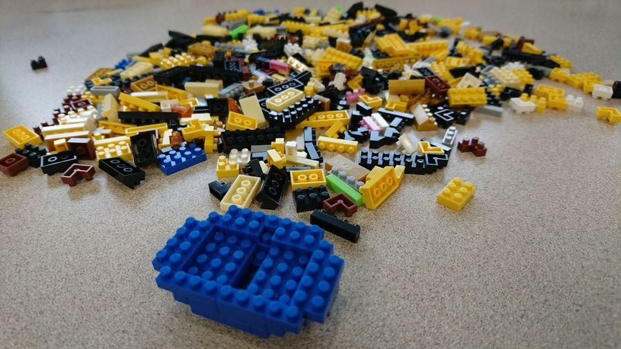 只要給我一盒積木, 我就會靜靜的不出聲, 完成了有種說不出的滿足😄Blocks Toys Daily Photo Work In Progress Colourful Lego Minifigures Color Of Life What's On The Roll Second Acts Business Stories This Is Aging