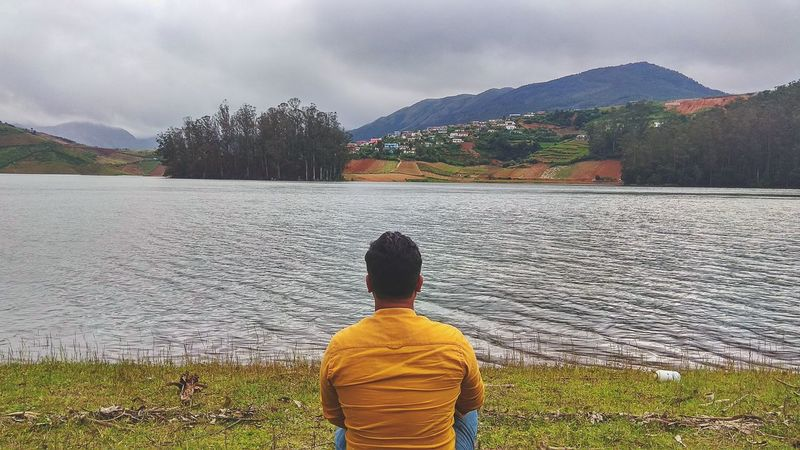 love to come here. Photography First Eyeem Photo First Eyem Photo Portrait Mobilephotography GreenScenes Forest Lake Mountain Mountain Range Heaven Cloudscape Landscape Mobile Ooty Mountain Water Lake Rural Scene Rear View Sky Landscape Cloud - Sky Rocky Mountains Fallen Tree