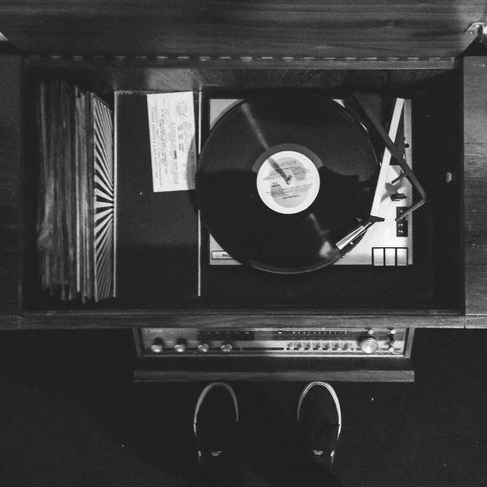 VSCO Eye4photography  Everyday Joy Eye4black&white  Vinil Retro Vintage Song Geometric Shapes The EyeEm Facebook Cover Challenge