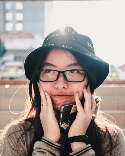 Portrait Headshot Eyeglasses  Glasses One Person Real People Front View Lifestyles Young Adult Young Women Leisure Activity Clothing Looking At Camera Hat Indoors  Cap Casual Clothing Focus On Foreground Hairstyle Beautiful Woman Teenager