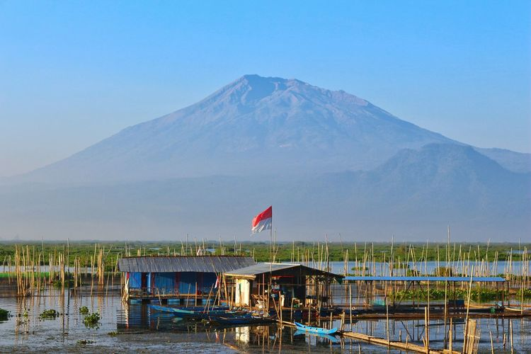 Majestic Indonesian Background Landscapephotography Streetphotography Naturelovers Travelphotography Sunrise Creativity Wonderland Travel Photography Traveling Blue Sky Blue Long Exposure Village Paradise Heaven Adventure Photography In Motion Freedom Destination Art And Craft Mountain Beach Sea Water Flag Sky