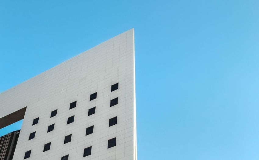 Architecture minimal Architecture Sky Blue Backgrounds Minimal Wallpaper Art Building Wallpapers Minimalism Simplicity Contrast The Architect - 2017 EyeEm Awards EyeEmNewHere The Week On EyeEm The Architect - 2018 EyeEm Awards