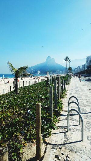 O Rio de Janeiro continua lindo Beach Sea Mountain Day Outdoors Sky Water Nature Rio De Janeiro Eyeem Fotos Collection⛵ Rio De Janeiro Brasil Photos Official EyeEm © Rio De Janeiro Rj Brasil