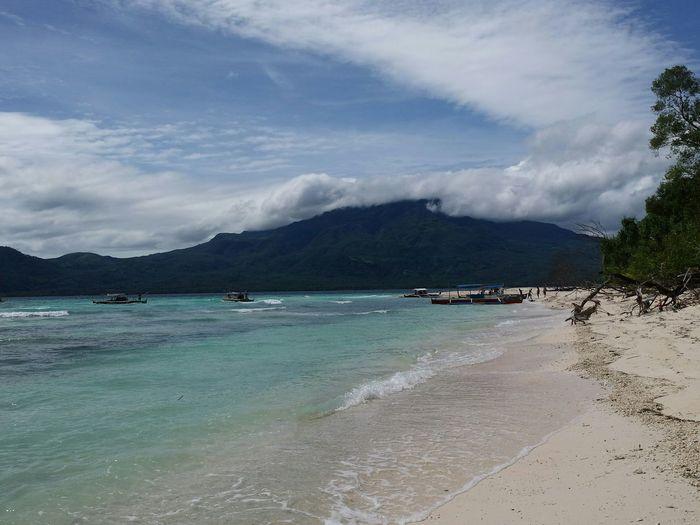 Camiguin MantigueIsland Sea