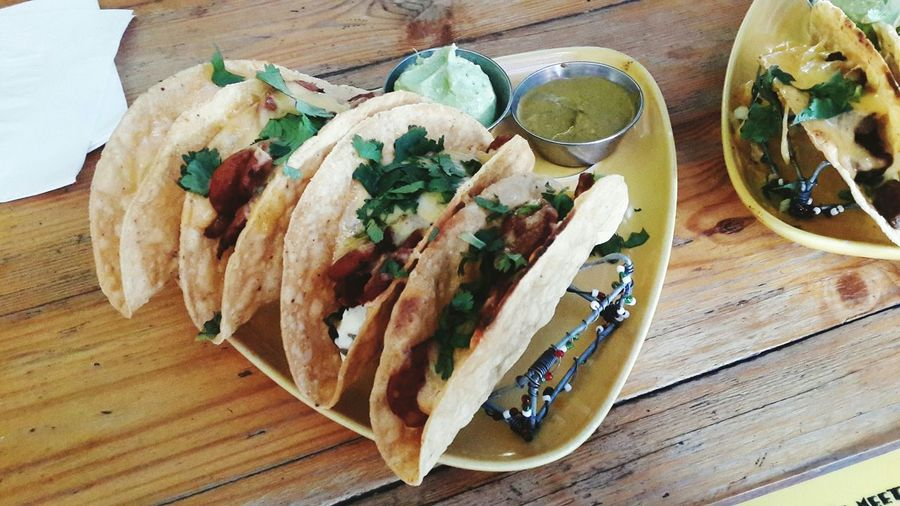 Taco Tuesday =D Mexican Foodporn Foodphotography Chorizo Tacos Guacamole Delicious Comida