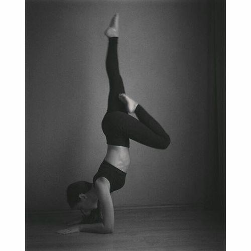 Photography Blackandwhite Followme Sabrina Lovemylife Relaxing Gym Flow Gym Life Gym Time Night Art