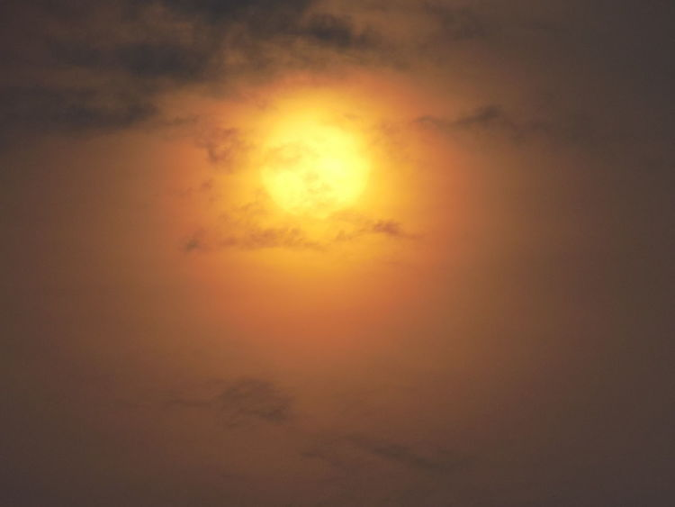 Backgrounds Cloud - Sky Dramatic Sky No People Orange Color Outdoors Sunlight Sunset Tranquil Scene EyeEmNewHere