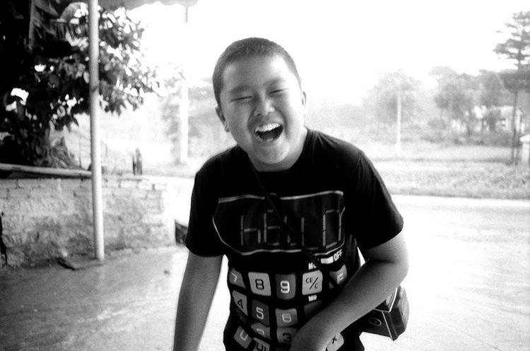 B&w Child Past Funny Faces Laugh Cute♡ Love♥ Vietnam DaLatcity Dalat