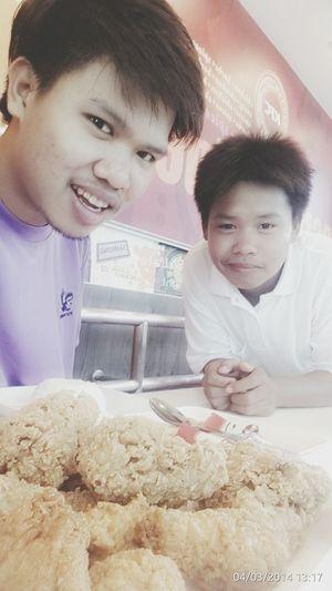 ข้าวเช้า+เที่ยง+เย็น สองพี่น้องหิวมากมั้ง??? First Eyeem Photo